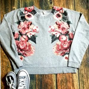 🦋🦋J. Crew Floral Embroidery Sweatshirt 🦋🦋